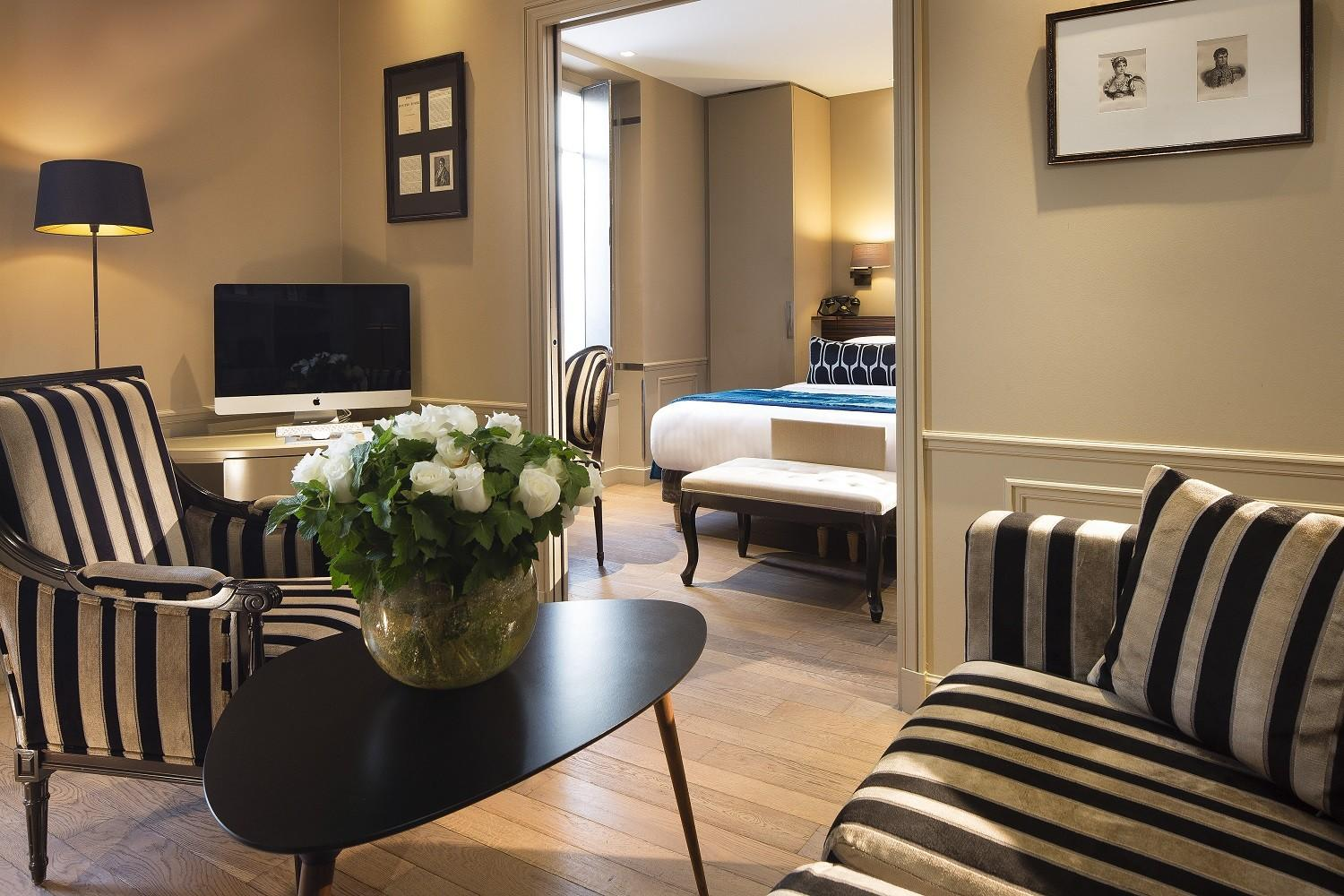 Photo gallery hotel and spa la belle juliette paris for Hotel design paris spa